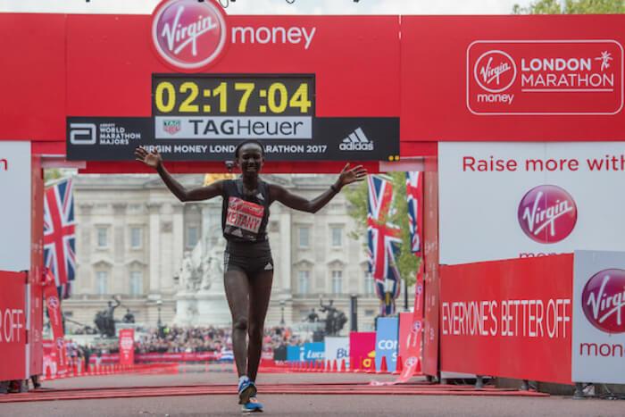 Mary Keitany faz 2ª melhor marca da história na Maratona de Londres