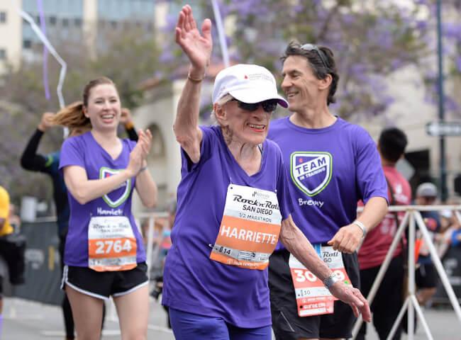 Aos 94 anos, americana se torna a meia maratonista mais velha do mundo