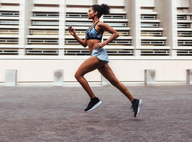 como o ciclo menstrual influencia o rendimento na corrida