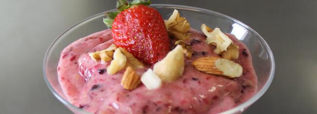 sorvete saudável de frutas vermelhas